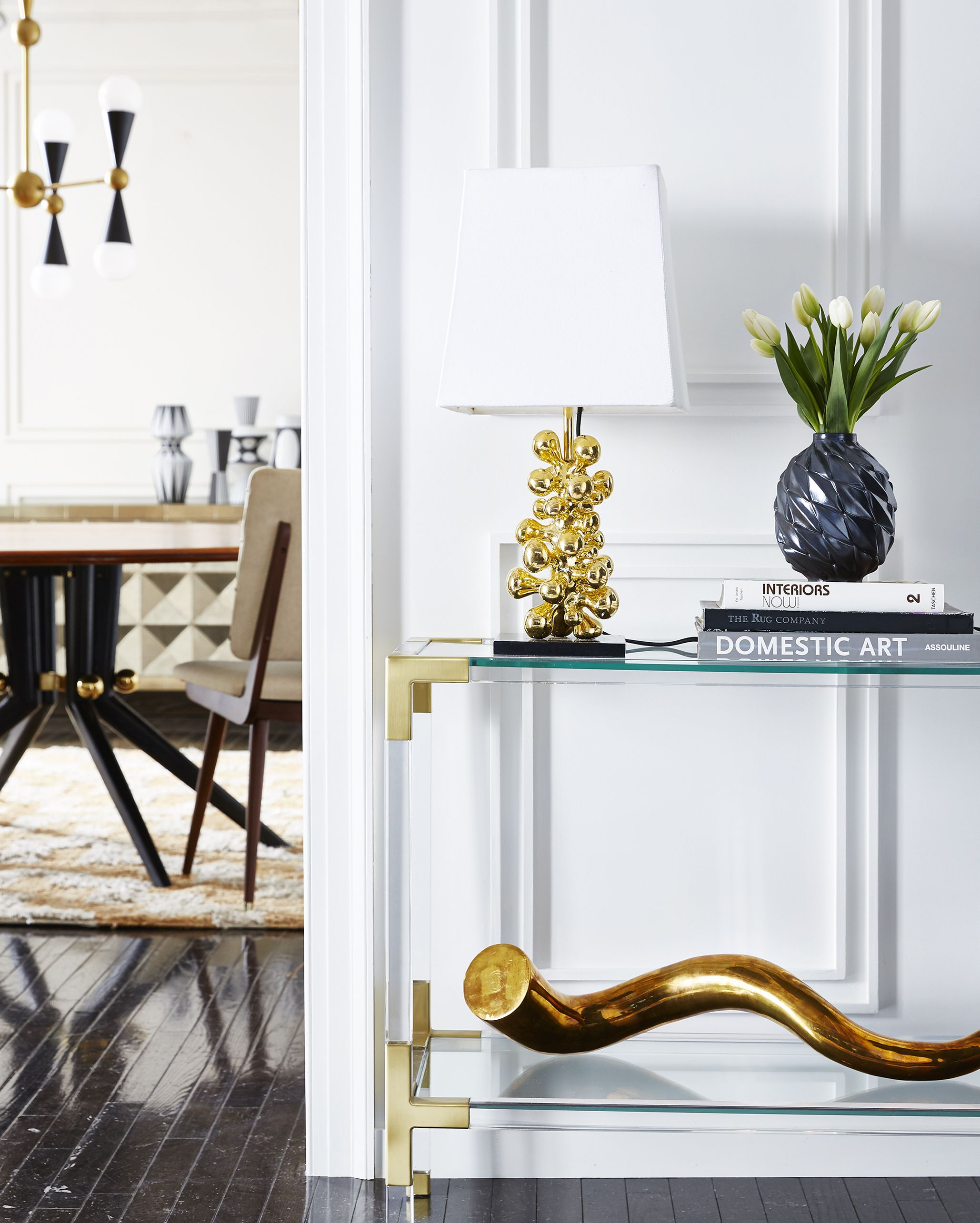Jonathan adler brings modern american glamour to your entryway