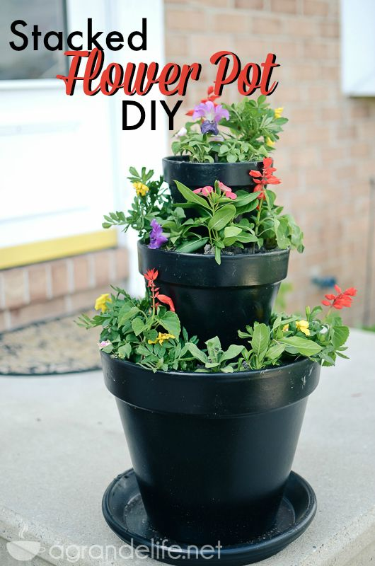 Stacked Flower Pot Diy Love This Idea For Front Porch By Front Door Home Stacked Flower Pots Diy Flower Pots Flower Pots