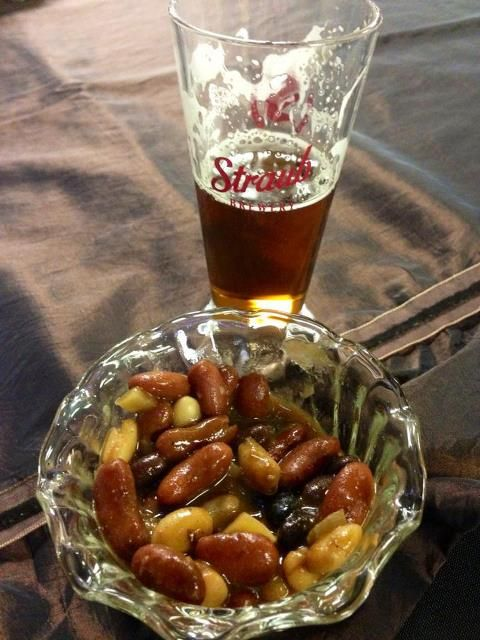 A match made in Beer Heaven: The Boozer's Smoky & Spicy Baked Beans (pg. 119 in The Tipsy Vegan) made with AND paired with Straub Brewery's new Altbier!!! A.M.A.Z.I.N.G.