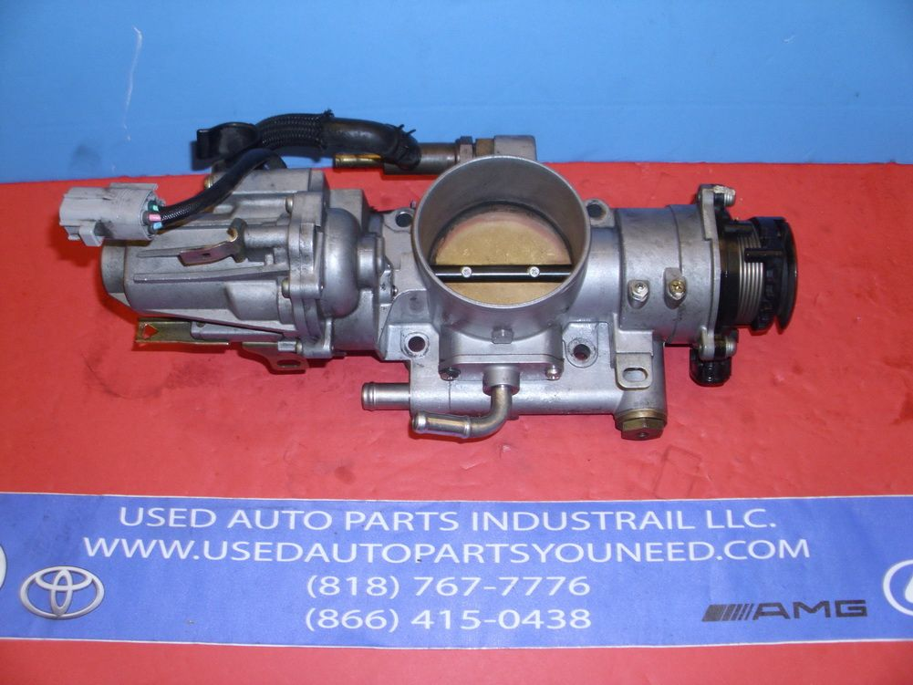 This Throttle Body Is For 1998 2002 Lexus Lx470 Please Compare The Part Number S 22030 50142 22030 50142 Make Sure To Ch Lexus Used Car Parts Lexus Lx470
