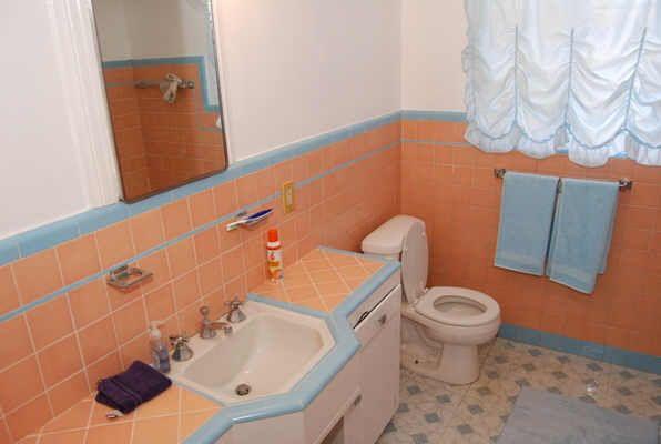 1950 Bathroom Tile Archive Design Through The Decades Phoenix Az 1950s Bathrooms Blue Bathroom Tile Small Bathroom Vanities Vintage Tile