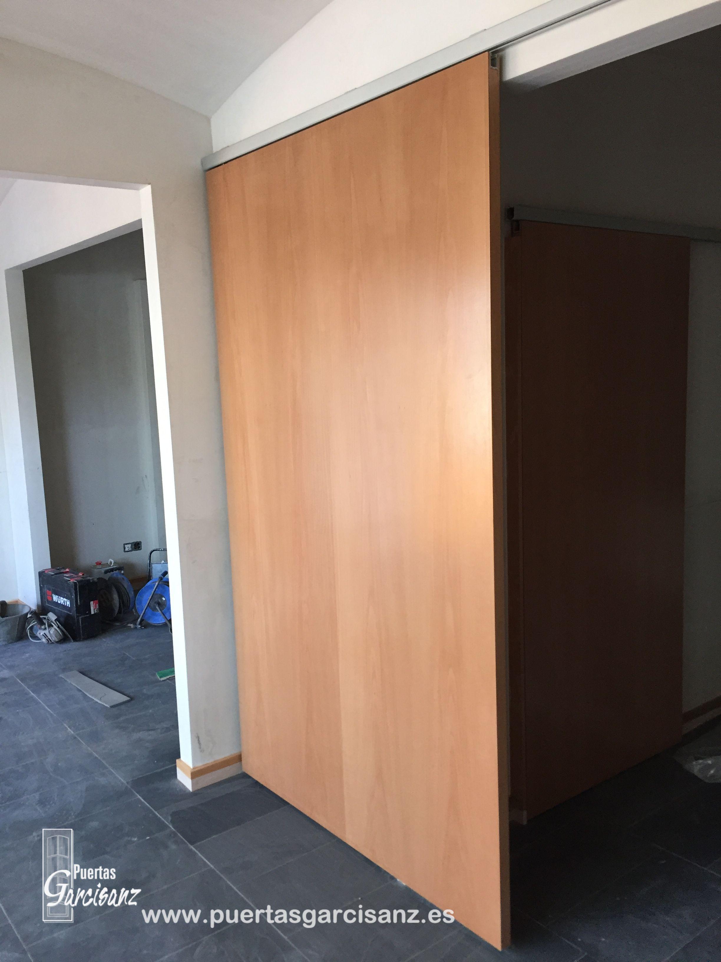 Instalaci n de puertas correderas en 40 mm de grosor lisas en haya vaporizada mediante sistema - Instalacion de puertas correderas ...