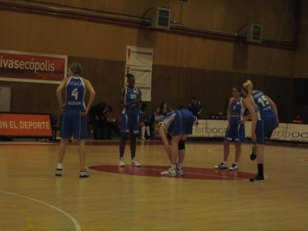 La debacle del baloncesto femenino en España