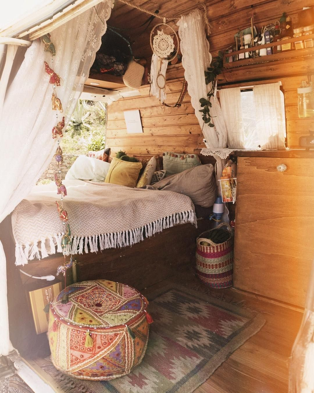 Look At My New Poof I M In Love Van Pinterest Van Life Van