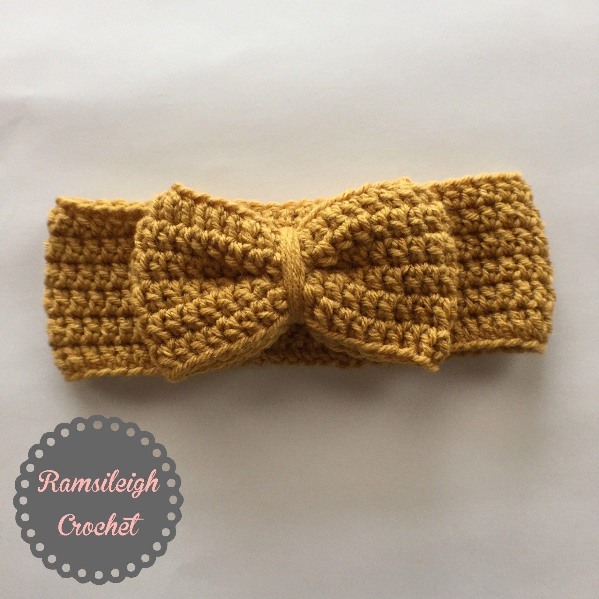 I Like Big Bows! Crochet Bow Headwrap {FREE PATTERN} | Ramsileigh Designs #crochetbowpattern