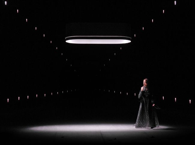 set and light design by Klaus Grünberg for Macbeth (Giuseppe Verdi), Opernhaus Zürich, 2016 (Currentzis, Kosky, Grünberg, Bruns)