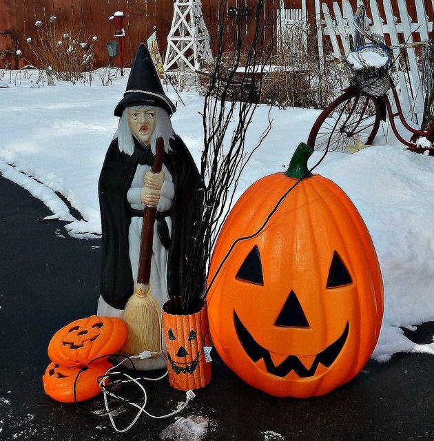 Halloween Blow Mold Blow-Out! Small pumpkins