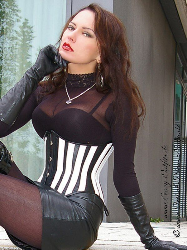 Pin on Womens Leather Fashions