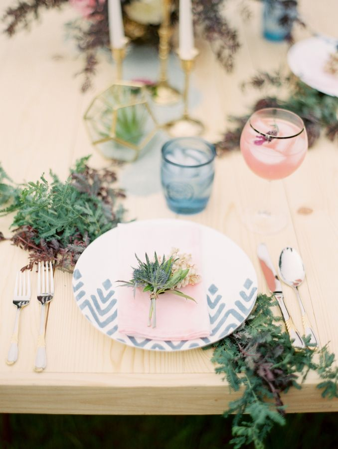 Watercolor table setting inspiration: Photography: Aria - http://www.aria.photography/