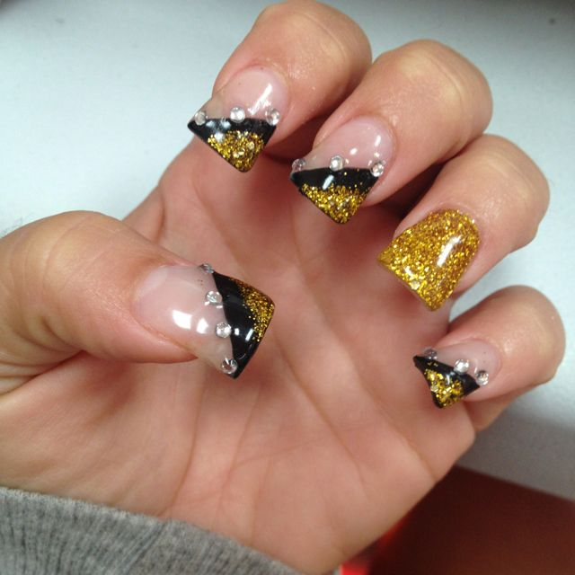 My nails for the VMAs this Thursday :)