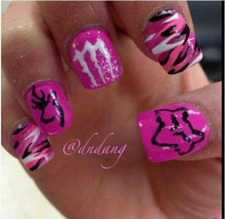 Fox and Monster nail art - maybe a different color - Fox And Monster Nail Art - Maybe A Different Color Nail Art