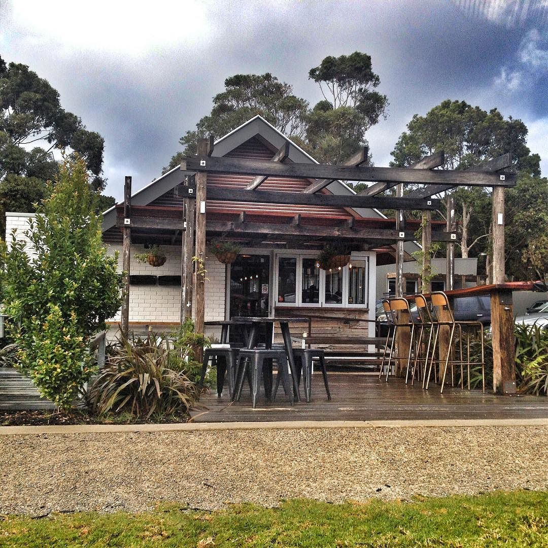 Top little spot for an afternoon meeting @gingermonkeytorquay #goodcoffee #torquay #coffee #torquaylife #lovewhereyoulive #surfcoastrealestate #barryplanttorquay #barryplant #janjuc by barryplanttorquay http://ift.tt/1X8VXis