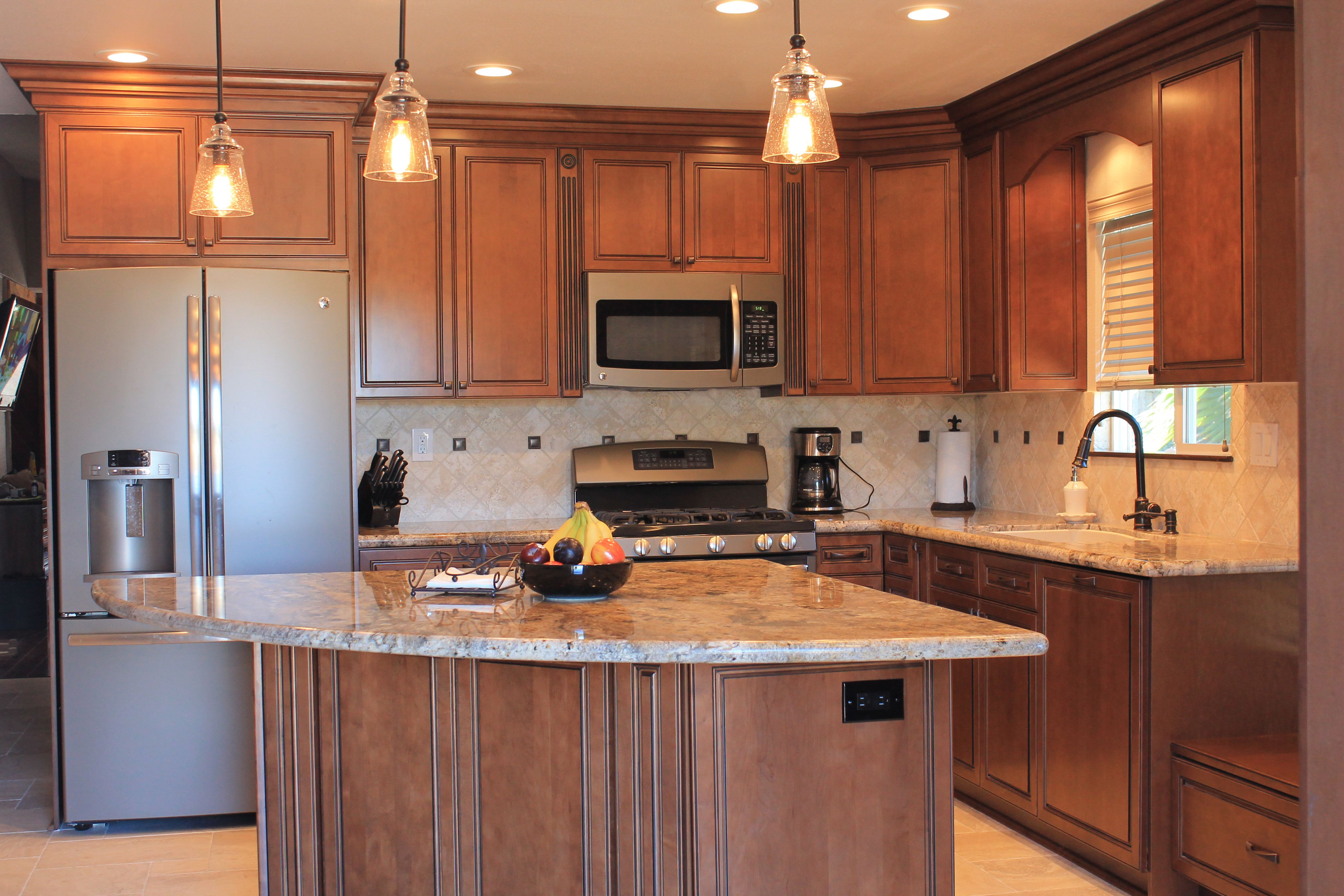 Quarter Circle Kitchen Island With Back Storage Cabinet Ge Slate Appliances Bo Slate Appliances Kitchen Interior Design Kitchen Contemporary Slate Appliances
