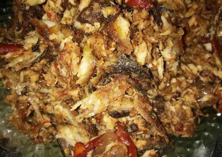 Sambel Goreng Pedas Ikan Layang Suwir Sederhana Makanan Makan Siang Resep Ayam