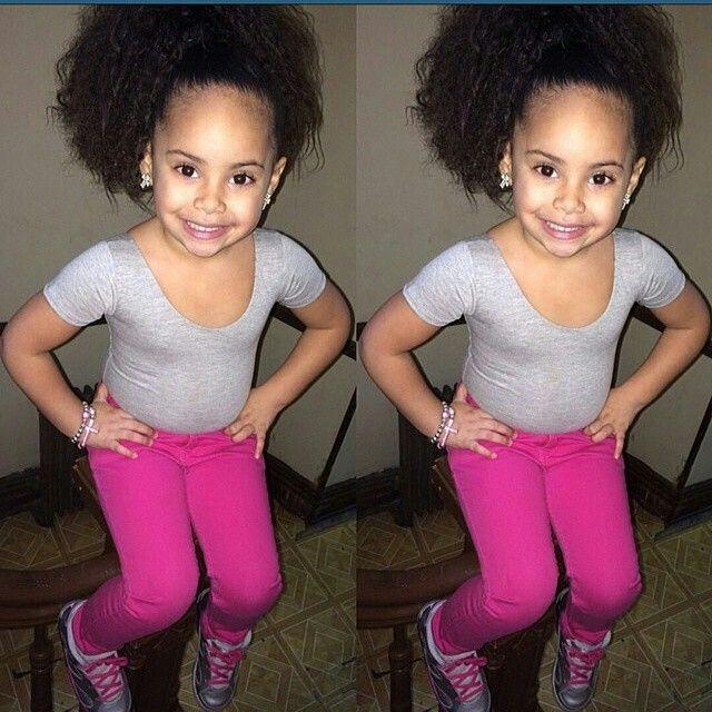 Lol My Future Daughter Rite There Gotta Big Forehead N Pretty Face