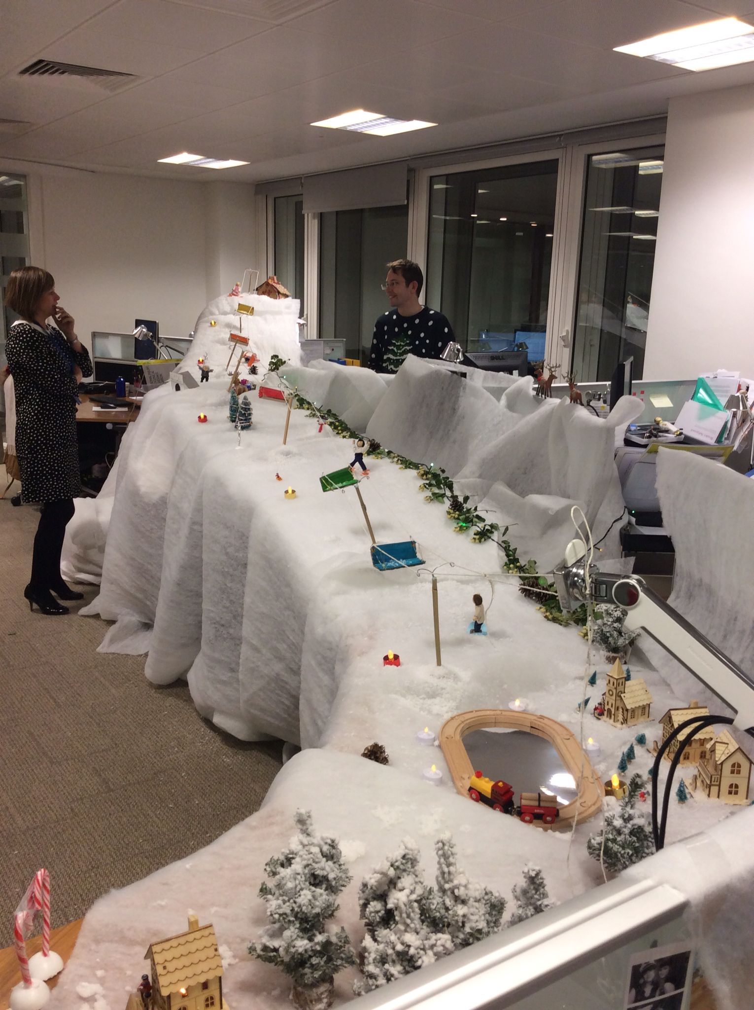 Office desk Christmas decoration competition | Office ...