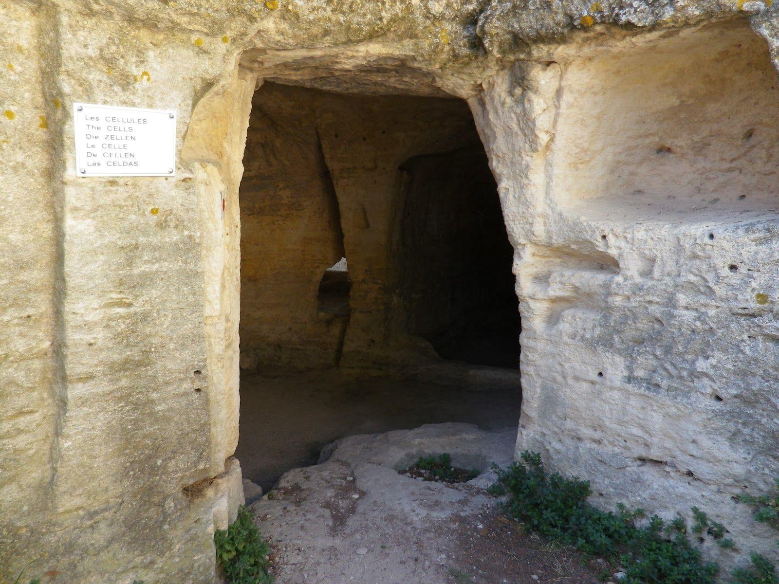 Abbaye de Saint-Roman (1/2)