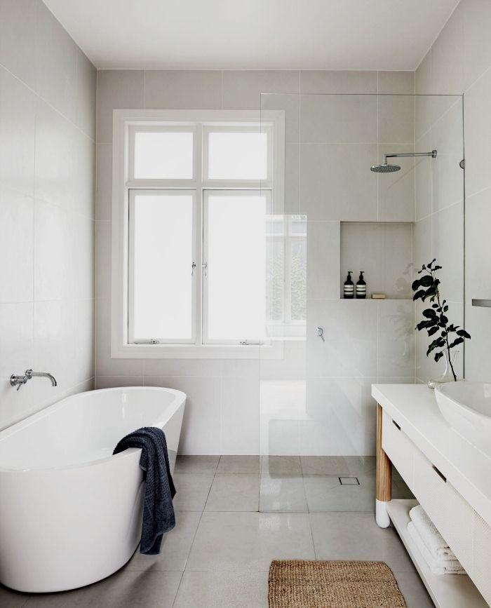 D couvrez les petites astuces pour magnifier la d co de la Baignoire pour petite salle de bain