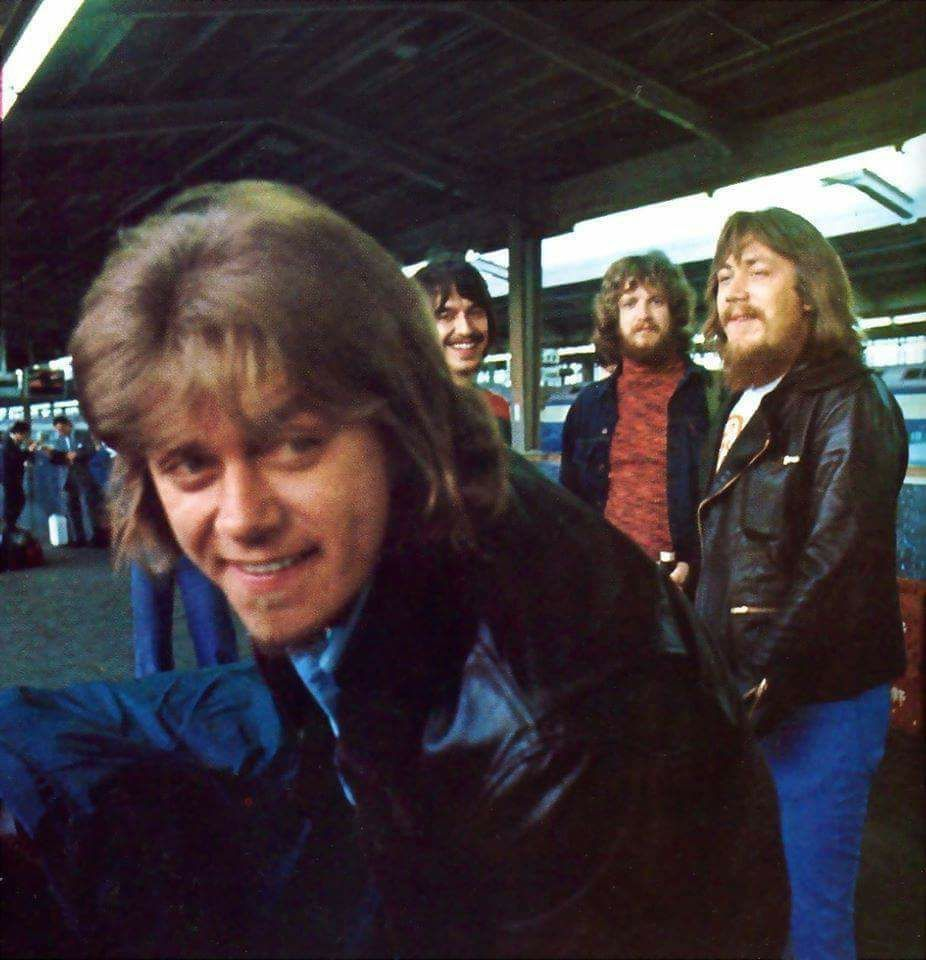 Peter Cetera Walt Parazaider Lee Loughnane And Terry Kath