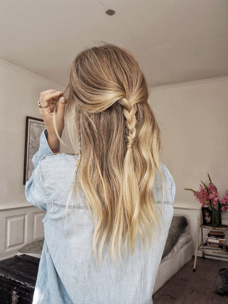Casual Double Denim Look Medium Hair Styles Loose Hairstyles Hair Styles