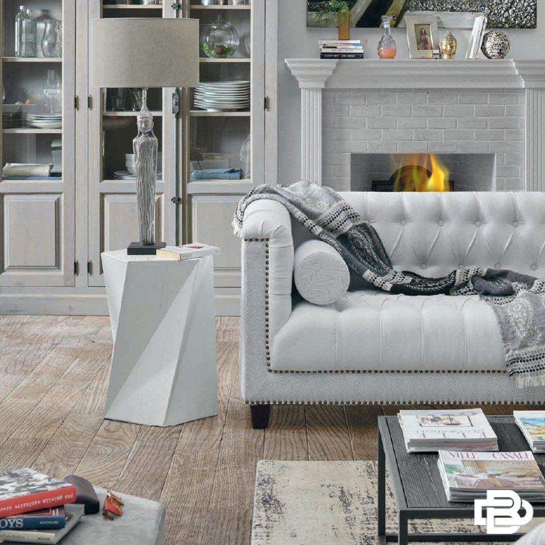 #livingroom #sofa #bookshelf #home #homedecor #beige #luxuryliving #livingroom #obývacípokoj #knihovna #pohovka #žlutá #béžová #white #bílá