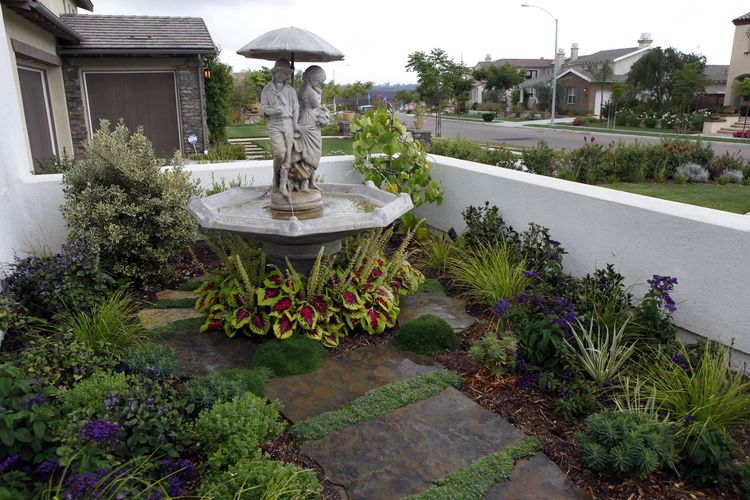 Singing Gardens | Small Space and Side Yard Ideas | Front ...