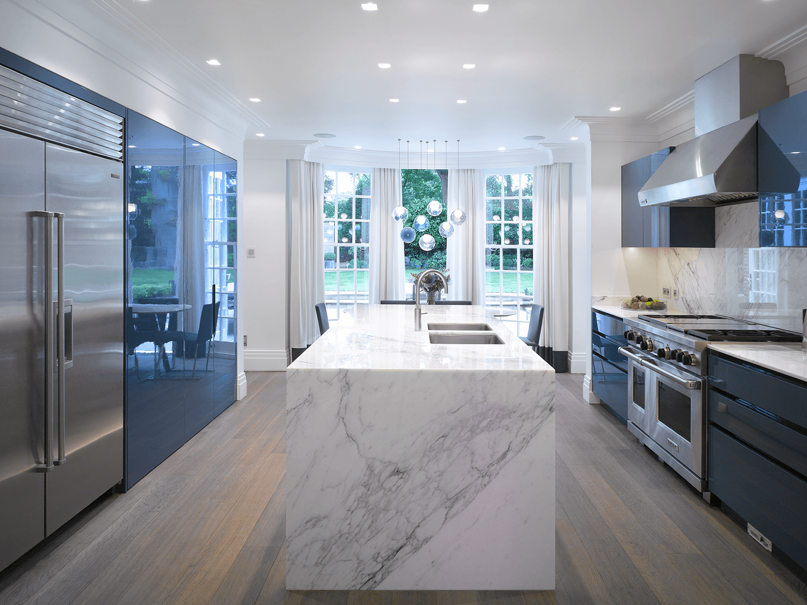 Waxley: A High Gloss Blue & White Kitchen from Roundhouse Design ...