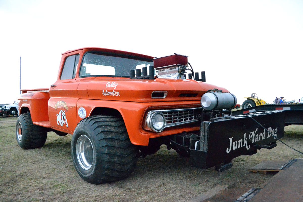 NSPAPulling.com 1957 Chevy truck. THE JUNKYARD DOG FROM OAKLEY ...