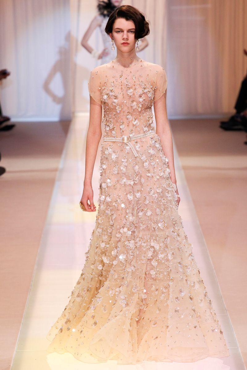 Vestido perfecto para una boda en otoño-invierno. Armani Privé. | Mi ...