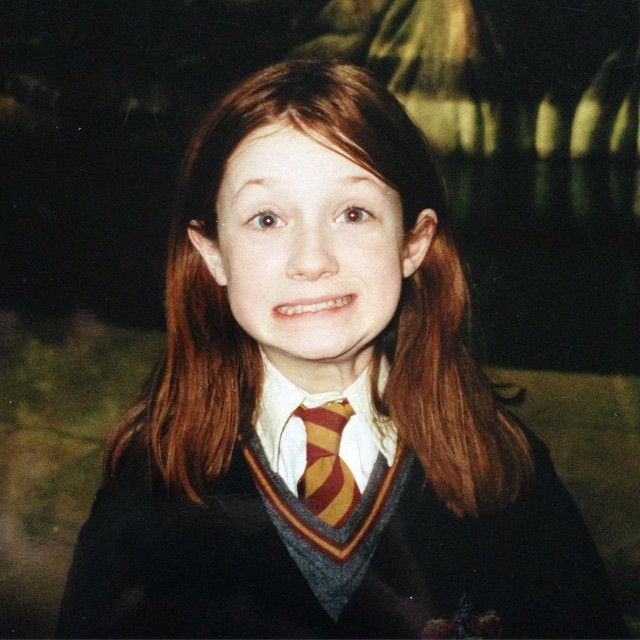 Bonnie Wright On Instagram Mastering The Awkward Side Grin Since Day One Tgif Ginny Weasley Bonnie Wright Harry Potter Cast