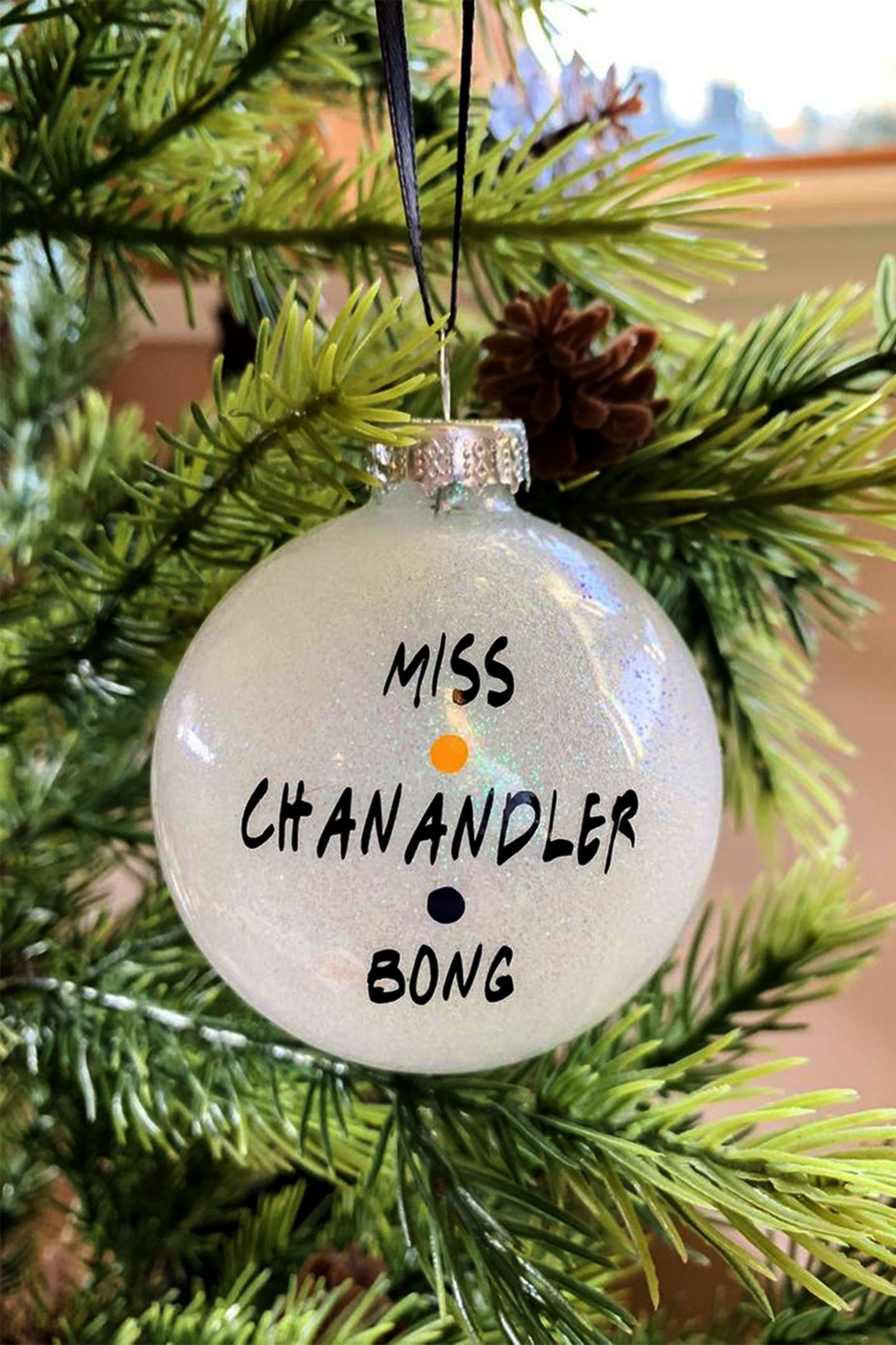 These Friends Christmas Tree Ornaments From Etsy Are So Funny In 2020 Friend Christmas Ornaments Friend Christmas Friend Crafts