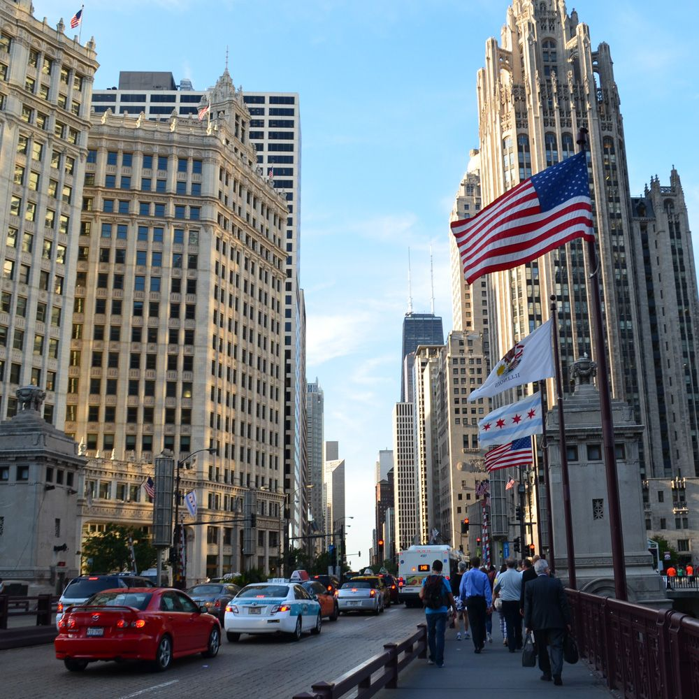[Illinois] Literary City Guide to Chicago from Eat This Poem @ngulotta