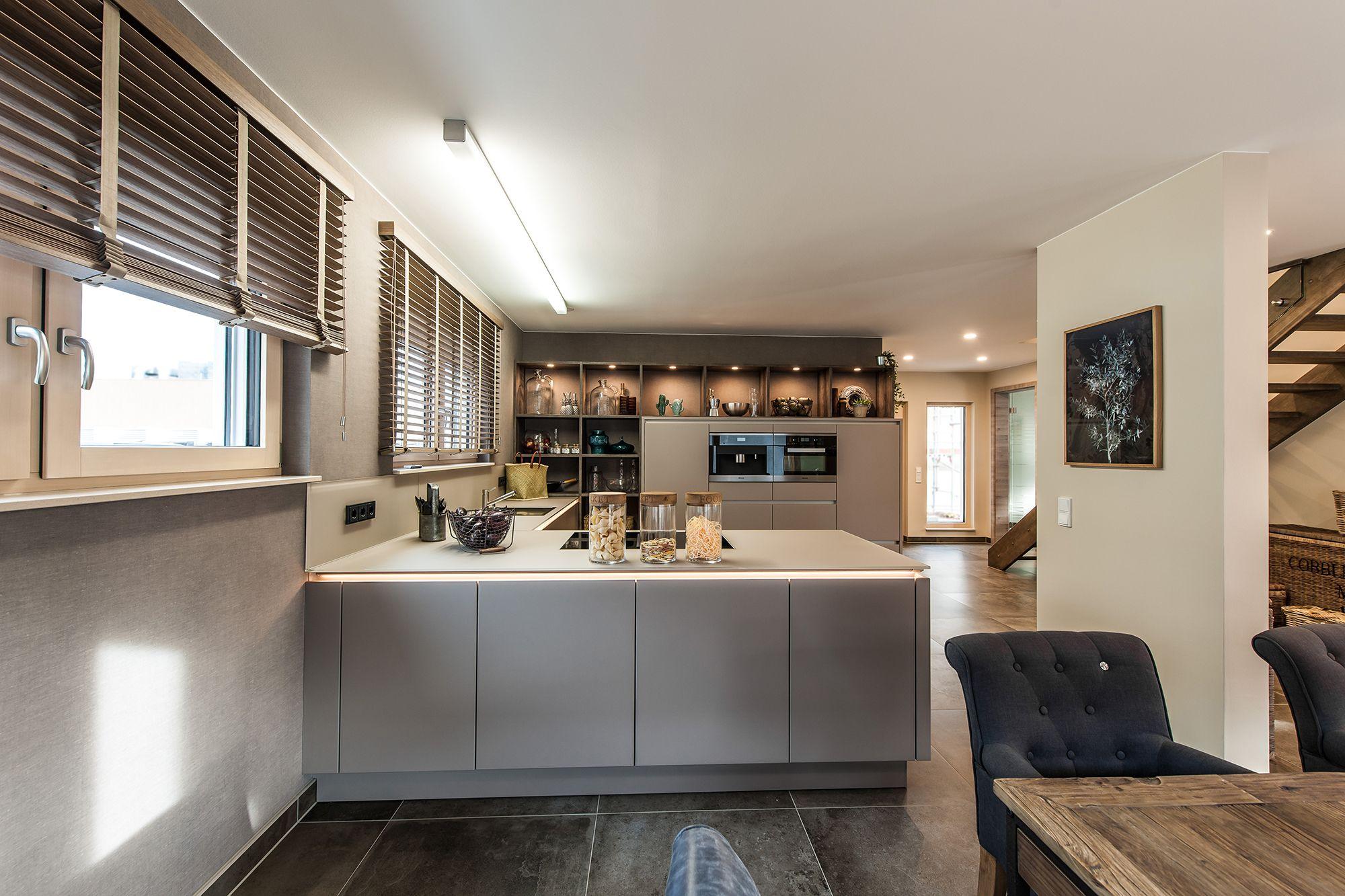 Wohnideen offene Wohnküche und Essbereich in Erdtönen