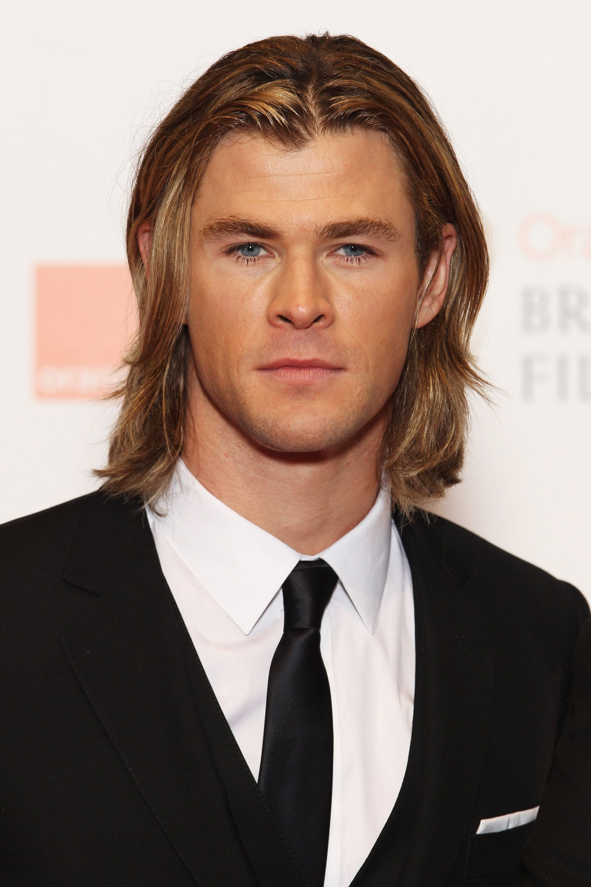 le beau chris hemsworth