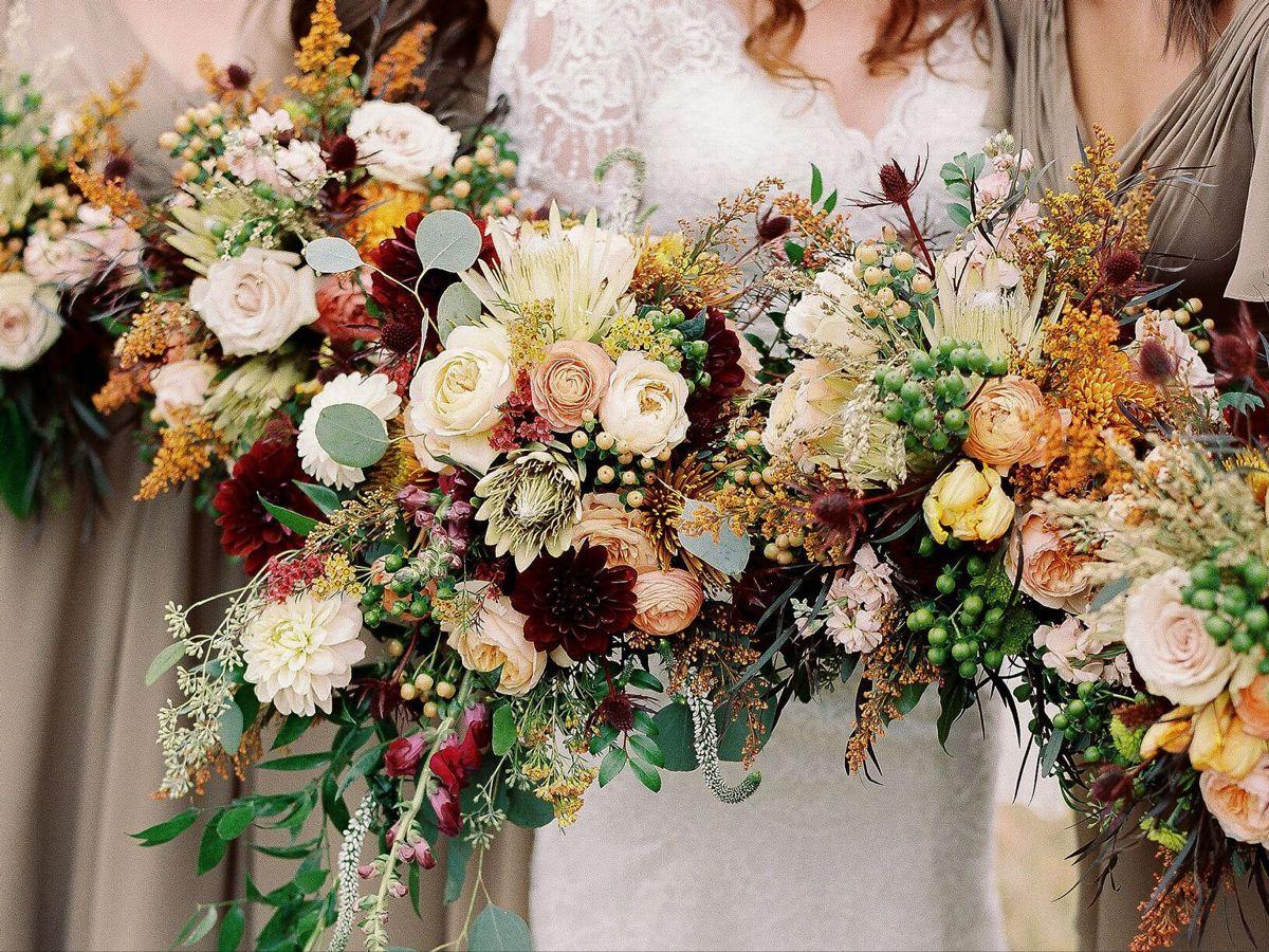 Less Yellow Orange More Red Purple In 2020 Flower Bouquet Wedding Wedding Flower Guide Wedding Flower Arrangements