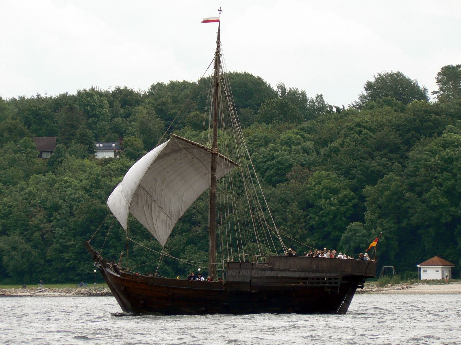 The Type Of Boat I Picture Gwyneth Kidnapped In Scottish Boats Pirate Ship Diagram Piratediary 15th Century Google Search