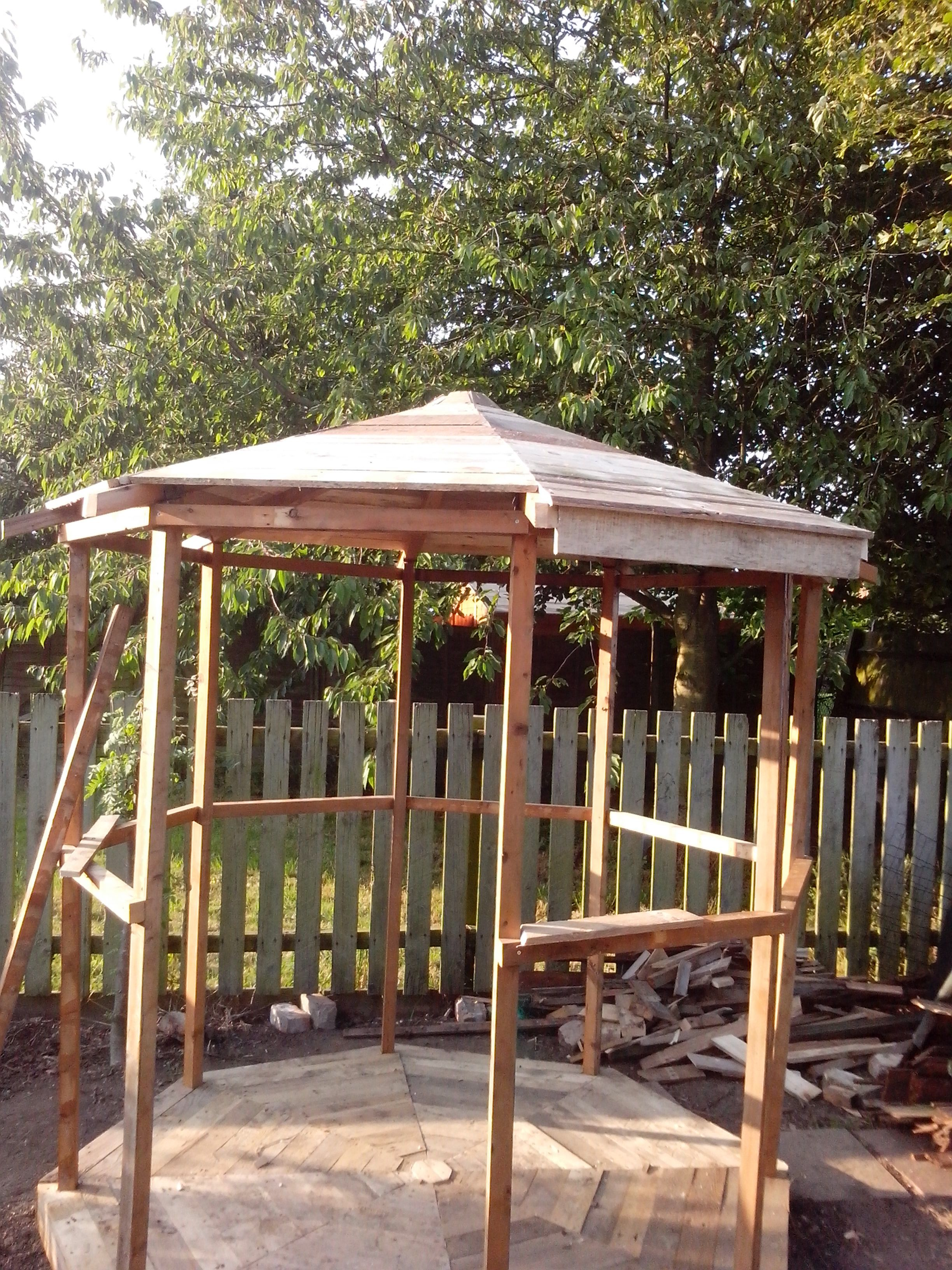 Building Gazebo Using Scrap Wood And Pallets