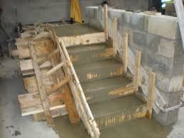 Quart tournant beton coffrage google search escalier for Coffrage escalier beton exterieur