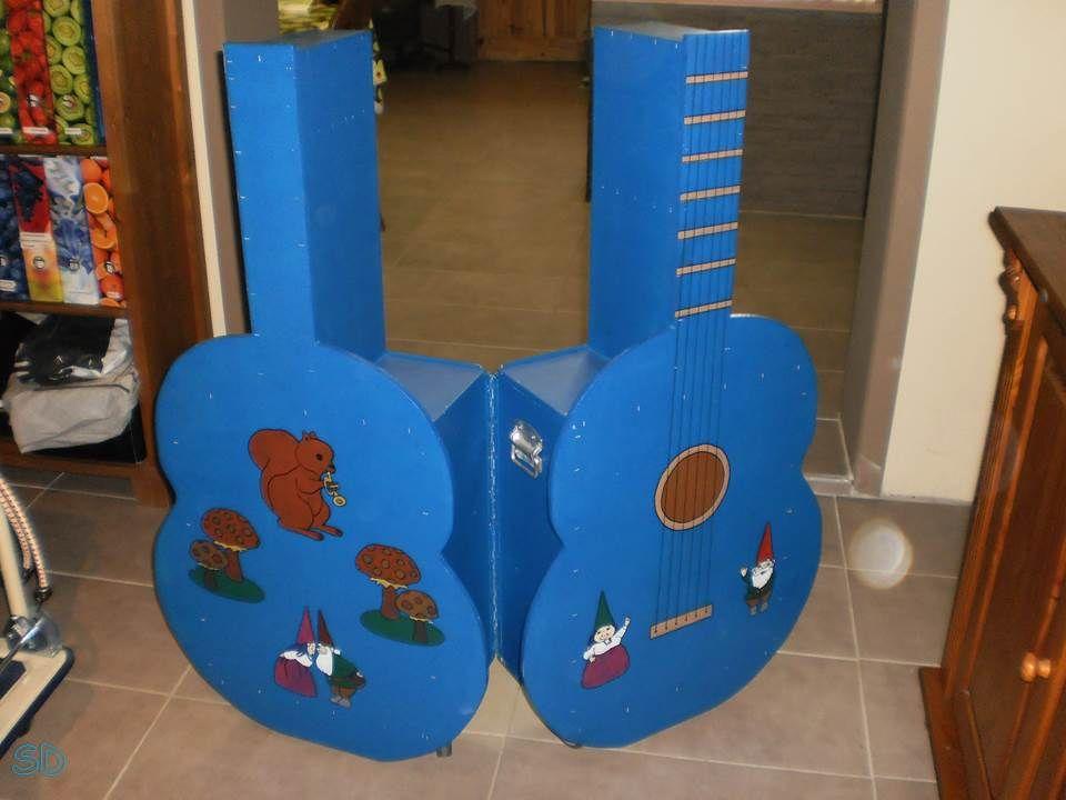 Muziekkoffer buitenkant Gemaakt voor het 1ste jaar kleuteronderwijs
