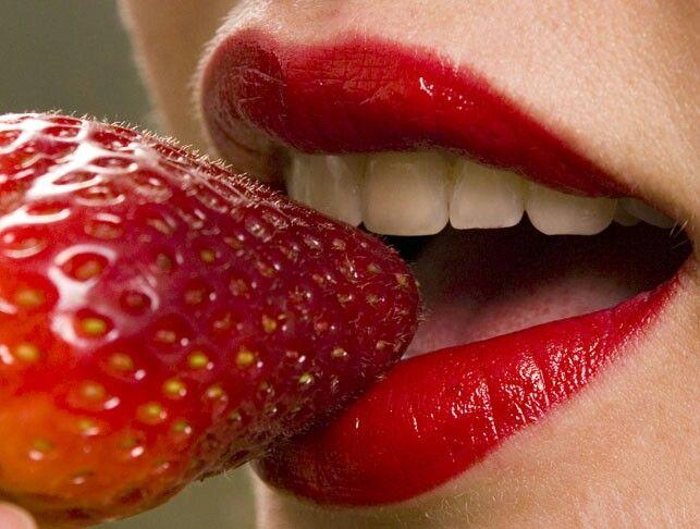 Labios y fresa