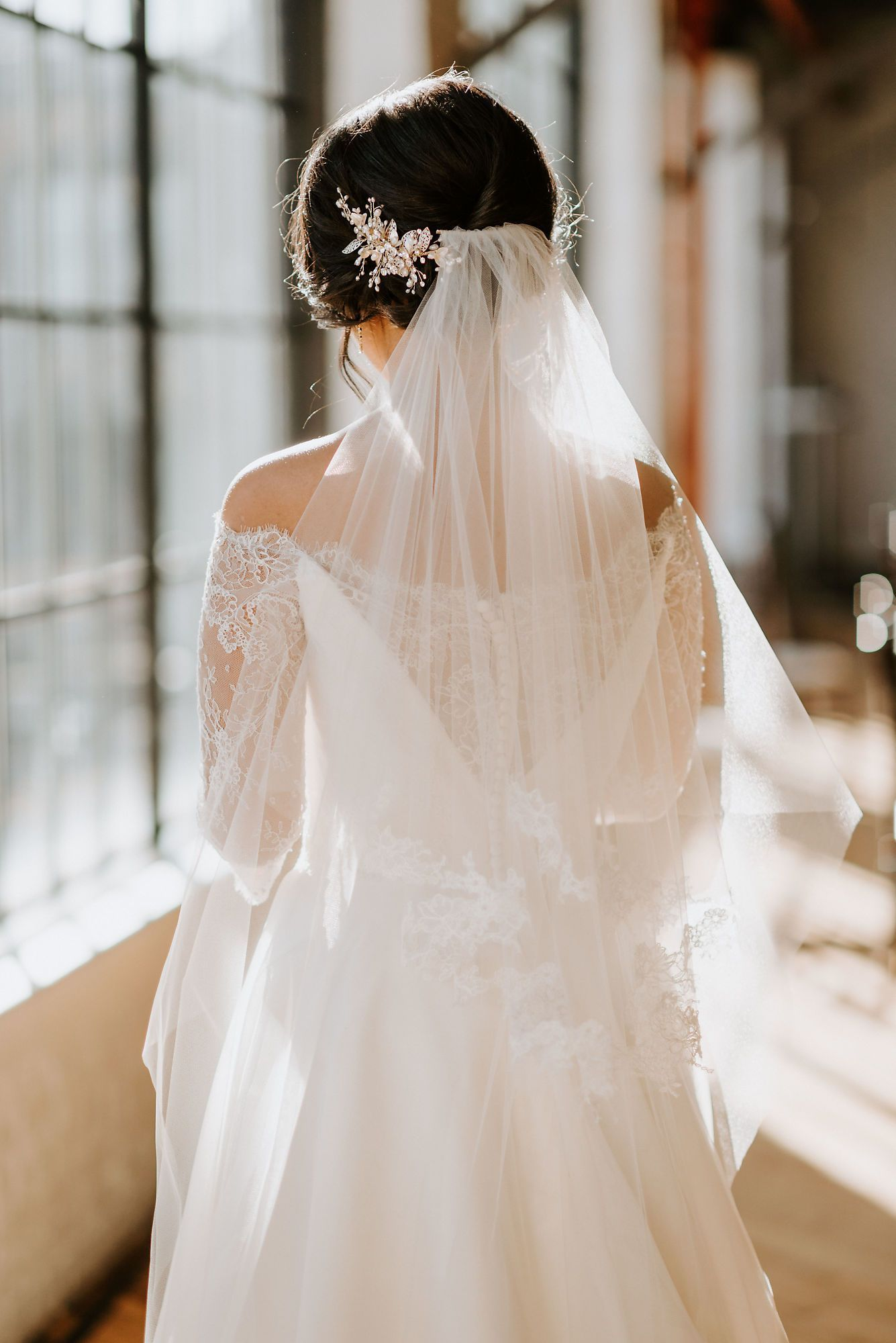 I Got Fake Married Louisville S Best Wedding Venue Kentucky Wedding How Many Bridesmaids Wedding Dresses Wedding [ 2000 x 1335 Pixel ]