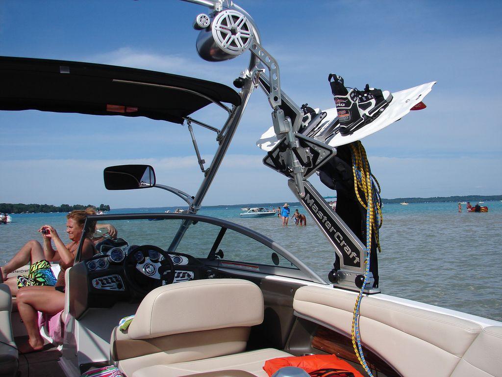 2 Bow Bimini Top For Ski Boats With Towers Nice Ski Boats