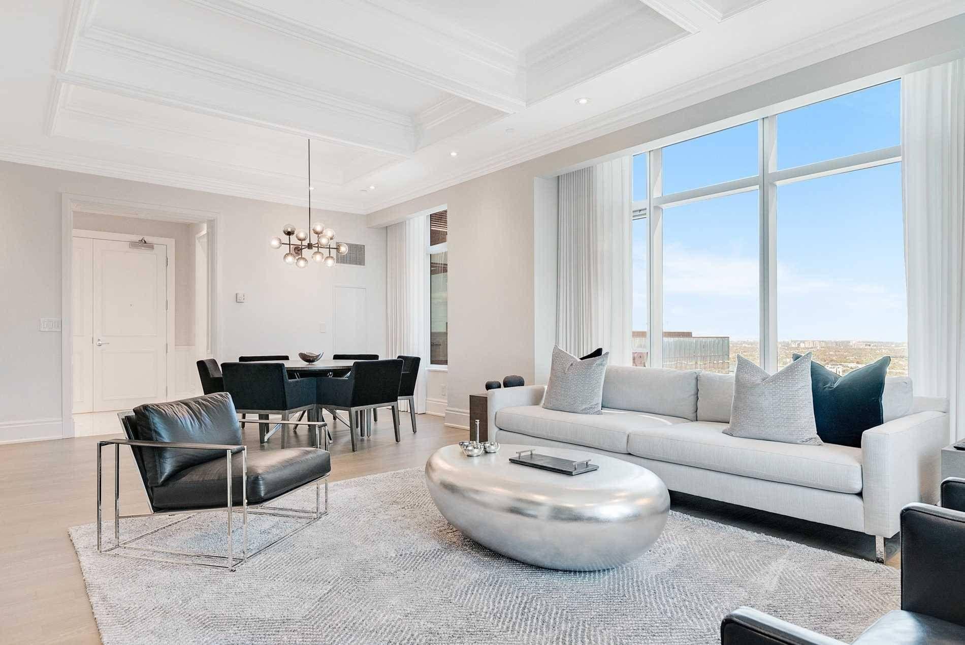 4704 311 Bay Street, Toronto — For Sale 2,249,000
