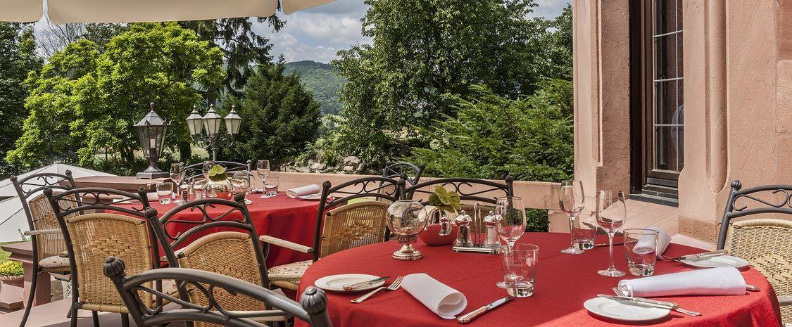 Das Romantische Schlosshotel Mit Restaurant Im Taunus Rhein Main Gebiet Frankfurt Schlosshotel Rettershof Restaurant Hotel Hof