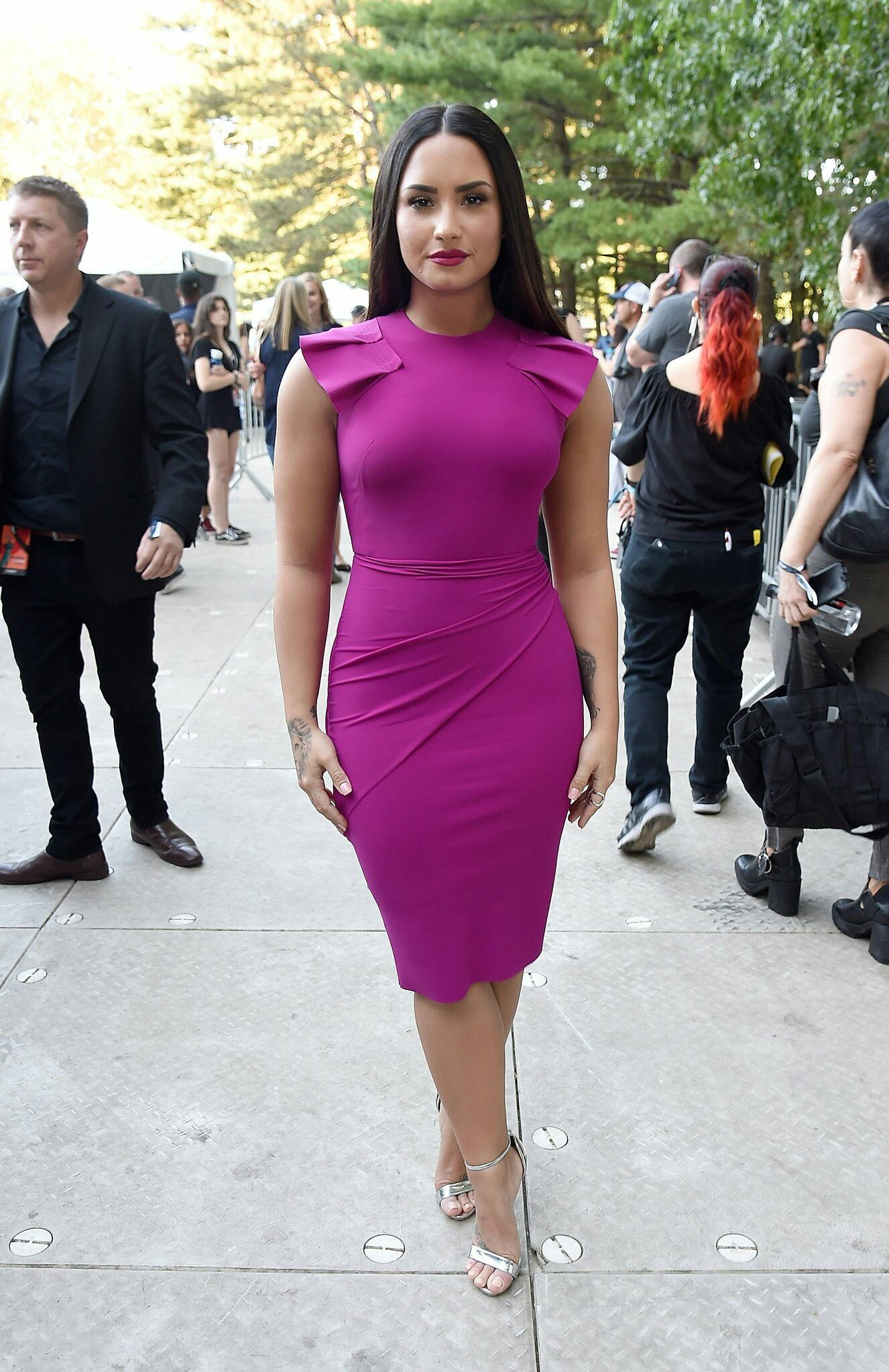 Love the dress and the color is amazing | Demi lovato:) | Pinterest