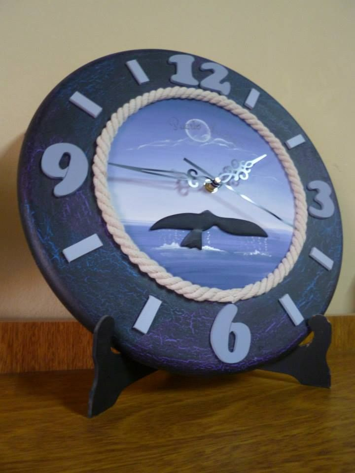 Reloj pintado a mano, hecho por Zimek artesanias.