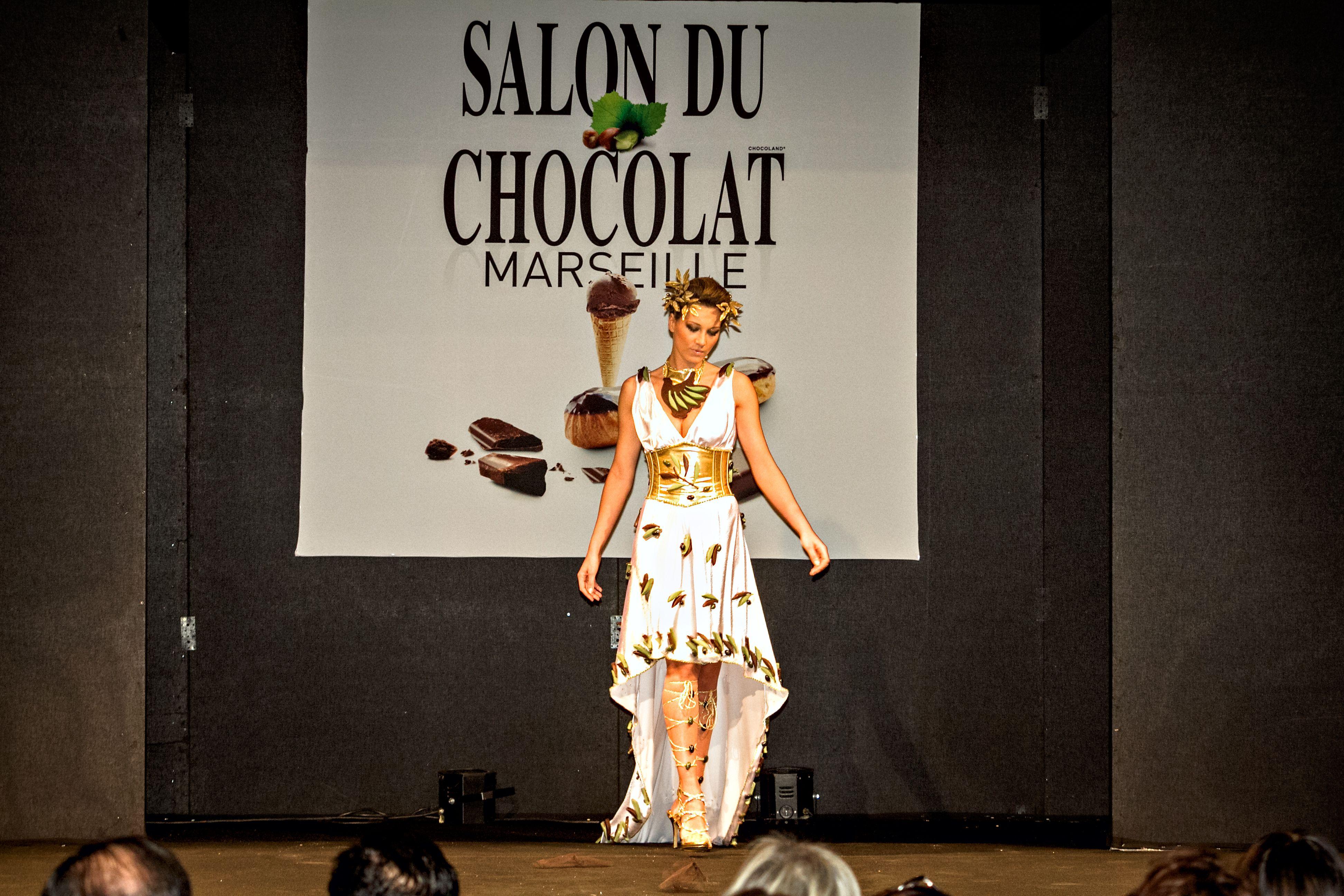 D fil de robes sur le salon du chocolat de marseille 2013 robe en chocolat chocolate - Salon du chocolat a marseille ...