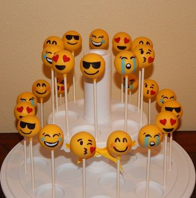 Remarkable Resultado De Imagen Para Cumpleanos De Emoji Ideas Emoji Cake Funny Birthday Cards Online Overcheapnameinfo