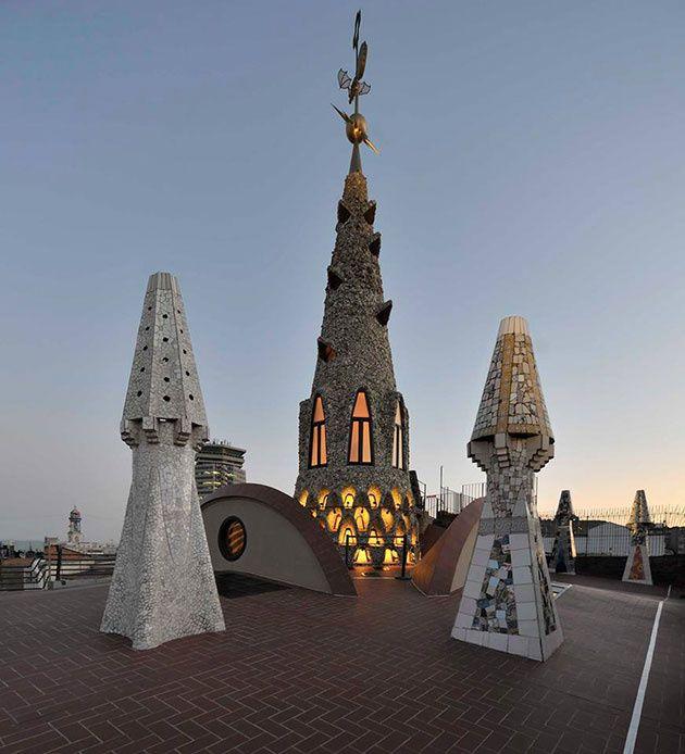Las chimeneas diseñadas por Gaudí, Palau Güell, Barcelona