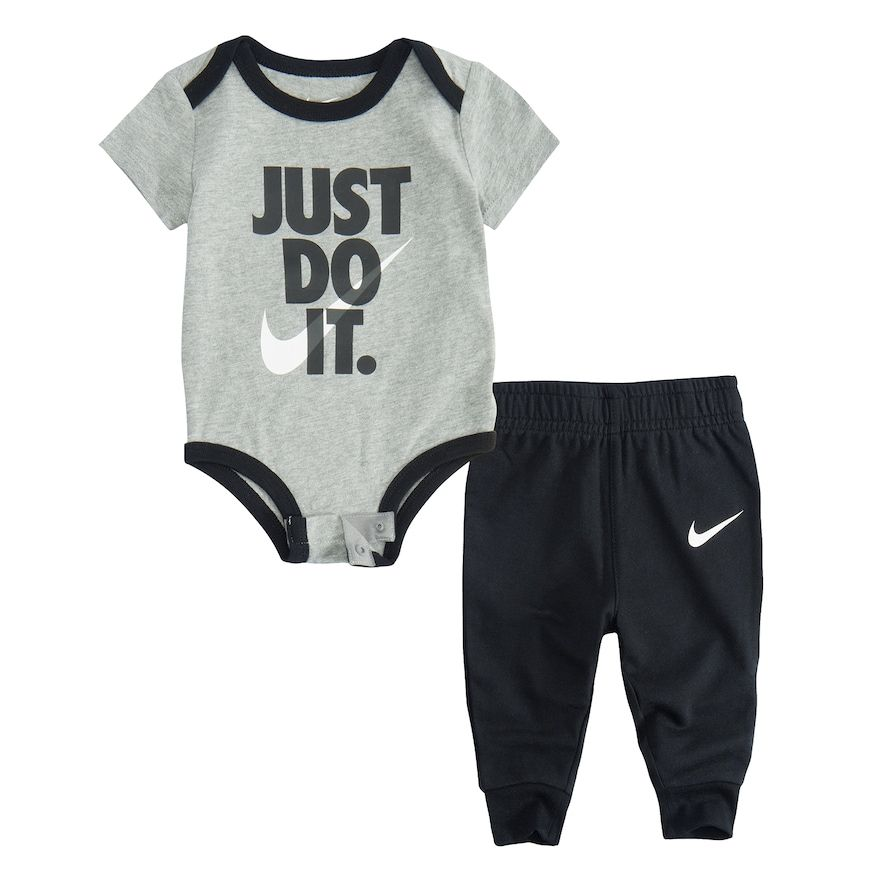 NEW 0-3 months summer outfit Baby boys shorts /& T-shirt set
